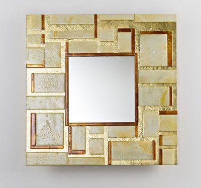 quadro es un modelo de espejo de la firma stocco que brilla por su elegancia