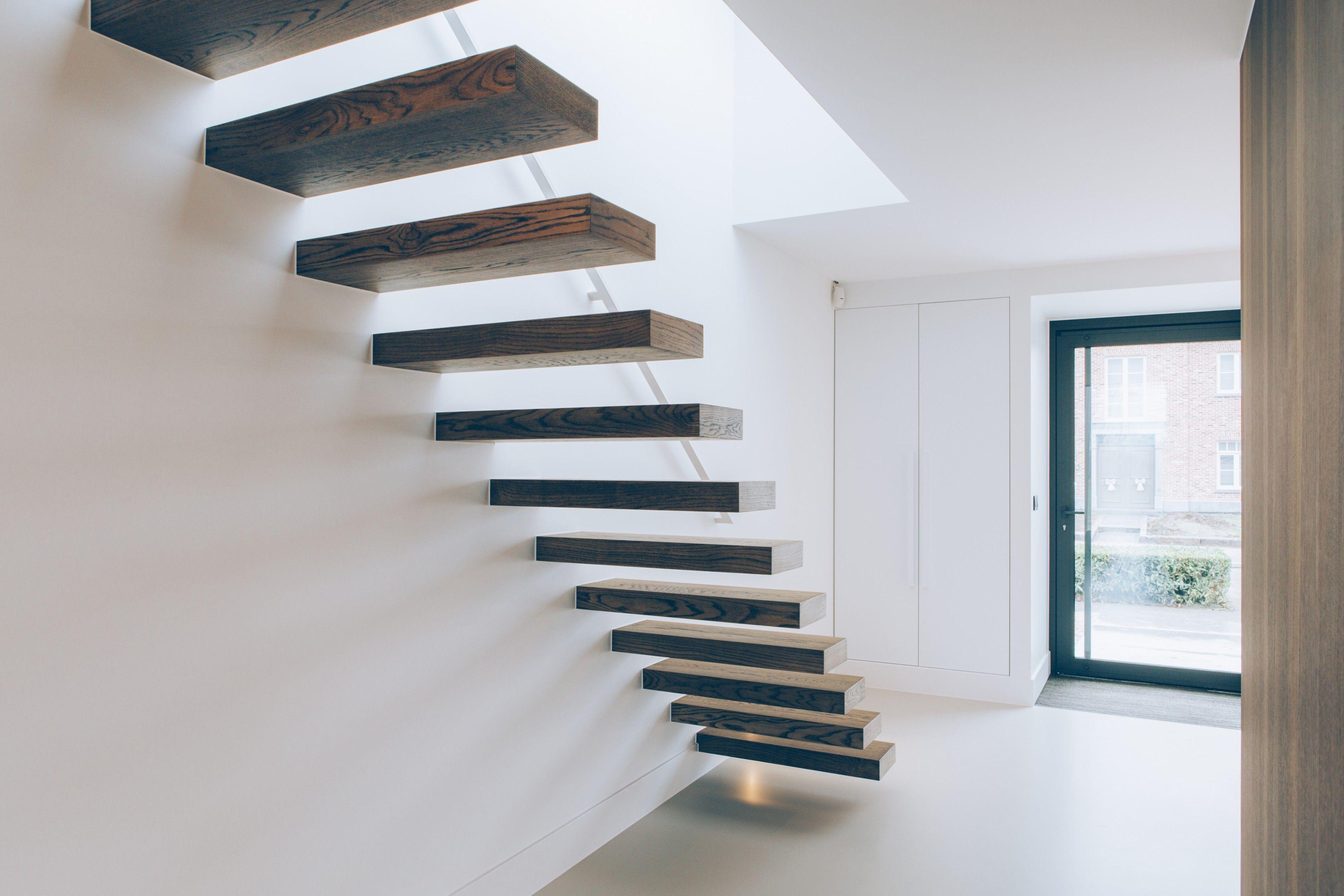 Houten trap plaatsen for Wat kost een houten trap