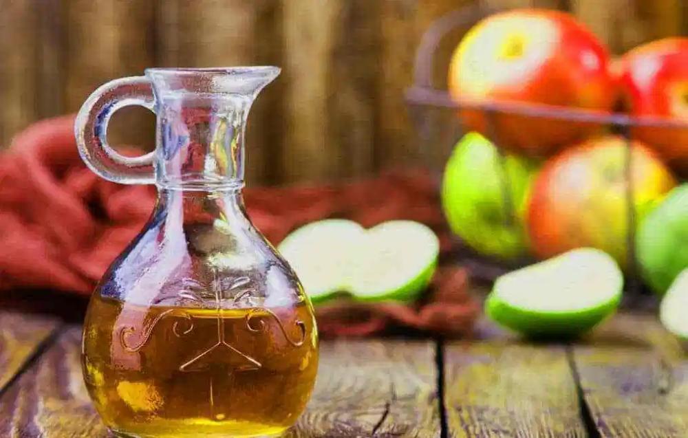 فوائد خل التفاح الطبيعي للبشرة والشعر والصحة Apple Cider Benefits Apple Benefits Apple Cider