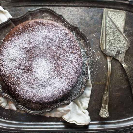 rp_FLOURLESS-CHOCOLATE-CAKE.jpg