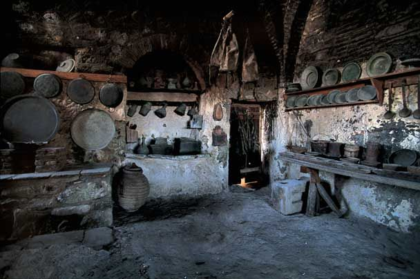 Kitchens Through The Ages Food Cooking Gourmet Com Traditional Kitchen Design Medieval Houses Ancient