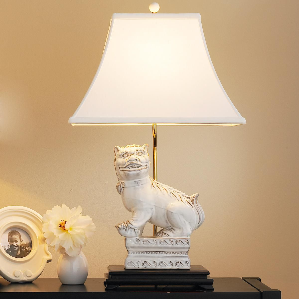 White Foo Dog Table Lamp