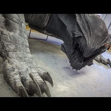 @frankippolito created a life-size dragon from Monster Hunter 4 Ultimate. http://ow.ly/WLCo7
