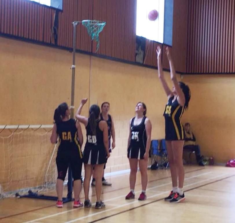 Jessica P Playing Netball By Zaratustraelsabio Tall Girl Tall Women Tall People
