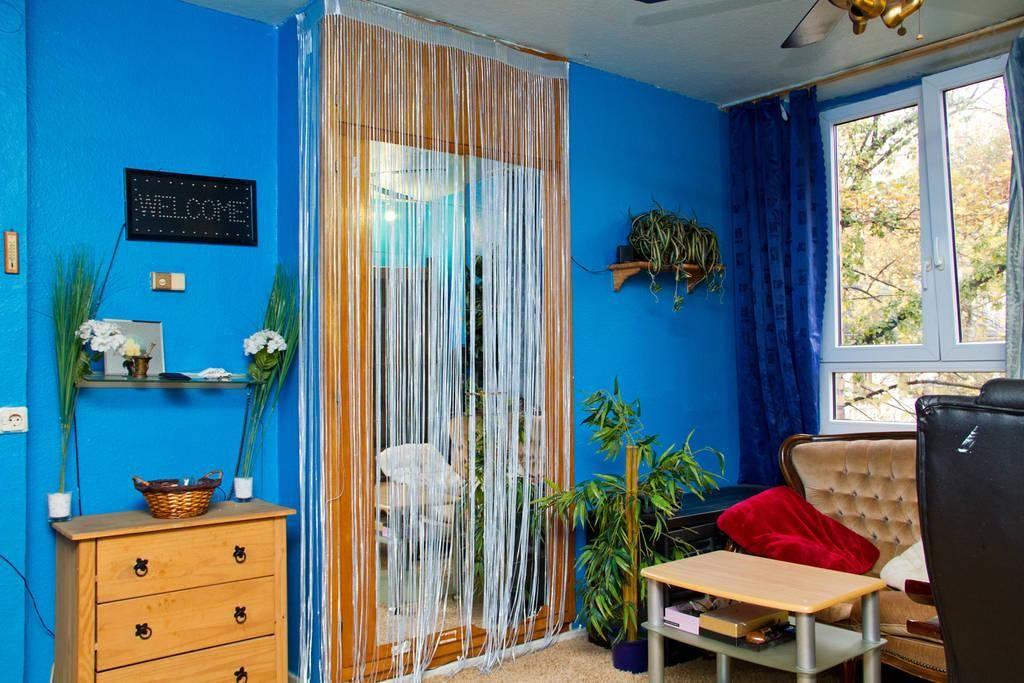 Wohnzimmer blau gestrichen #Wohnzimmer #Einrichtung #livingroom - wohnzimmer blau gold