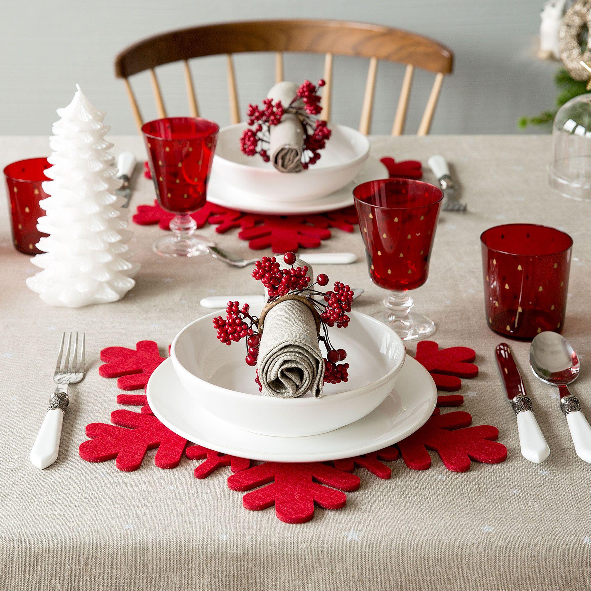 Individual fieltro rojo copo nieve mesa navidad zara - Decoracion de mesas navidenas ...
