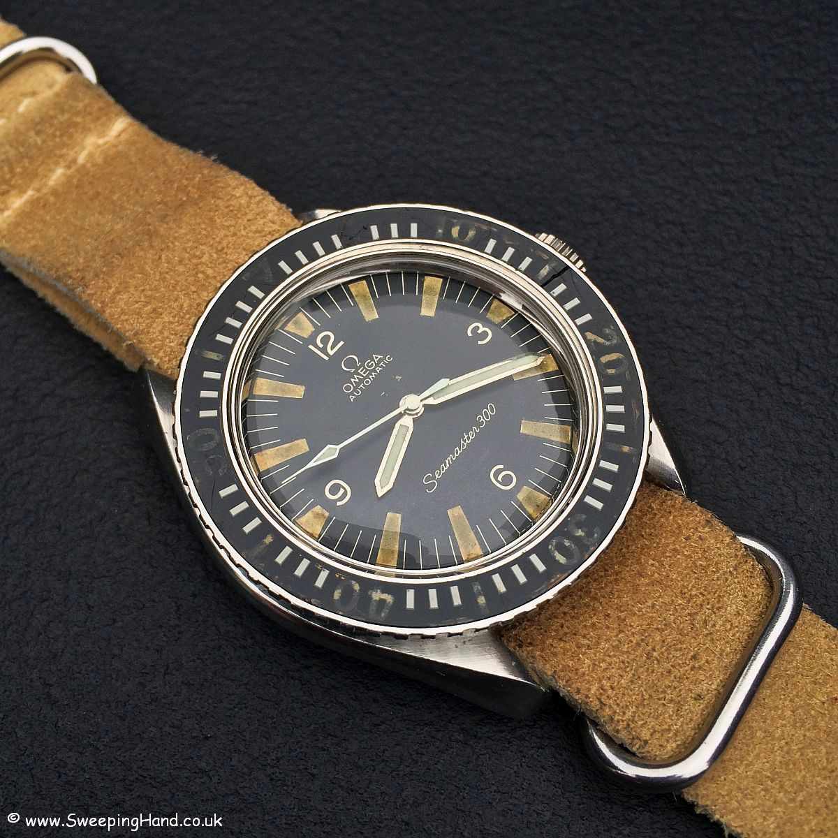 466b69a93ccc9 Vintage Omega Seamaster 300