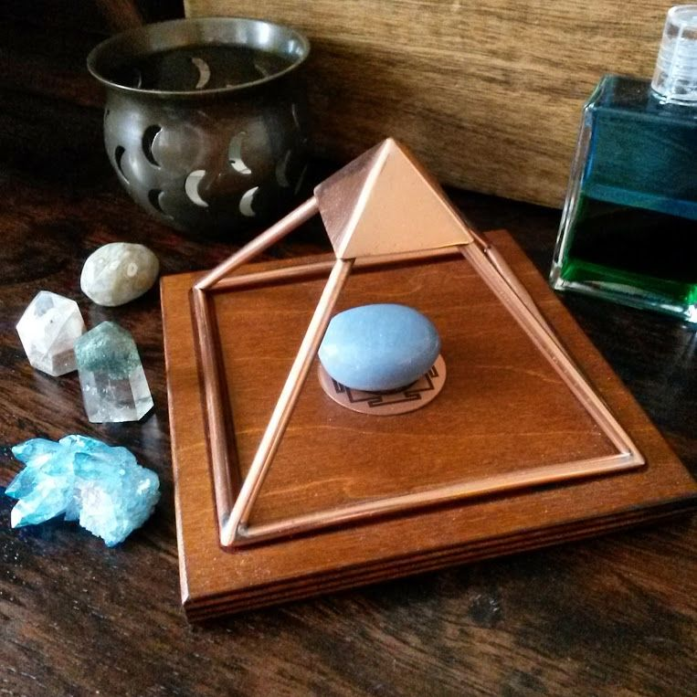 How to cleanse crystals safely copper pyramid charge