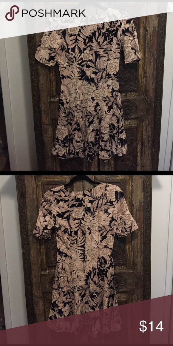 Tan and Black Floral Print Short Sleeved Dress H&M Tan and black short sleeved dress with zippered back. A-line silhouette Made of 100% Rayon. Only worn once. H&M Dresses Mini