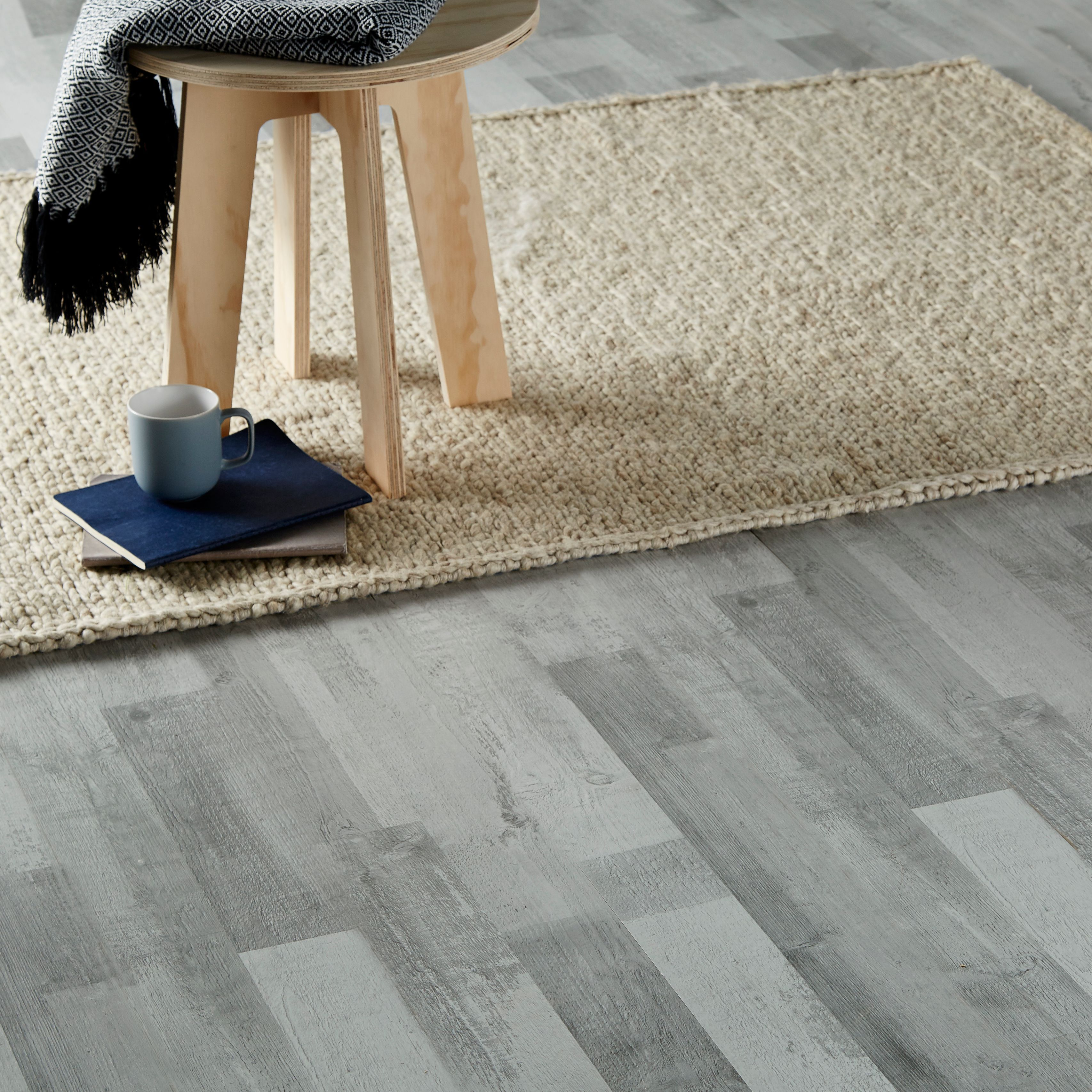 Pin By Kurayami311 On Bedroom Ideas Laminate Flooring Grey Oak Goodhome