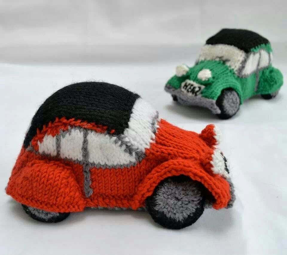 Knitted 2CV | 2CV | Pinterest | Büchereien, Muster und Strickware