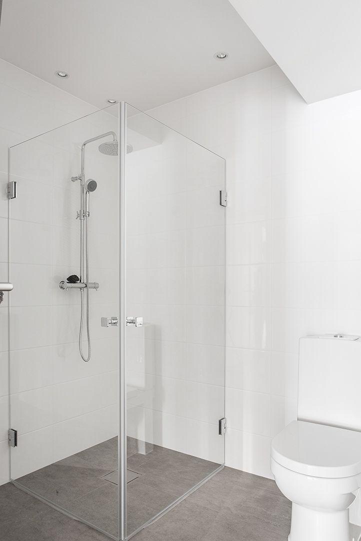 Påkostat badrum med smakfulla materialval