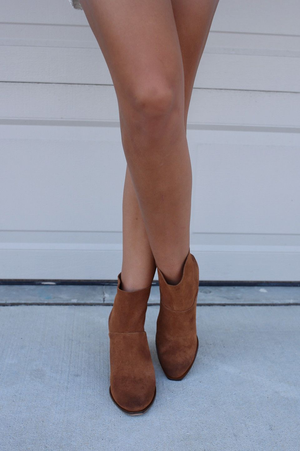 c50f1ac0f33 CHINESE LAUNDRY Kind Heart Whiskey Suede Booties