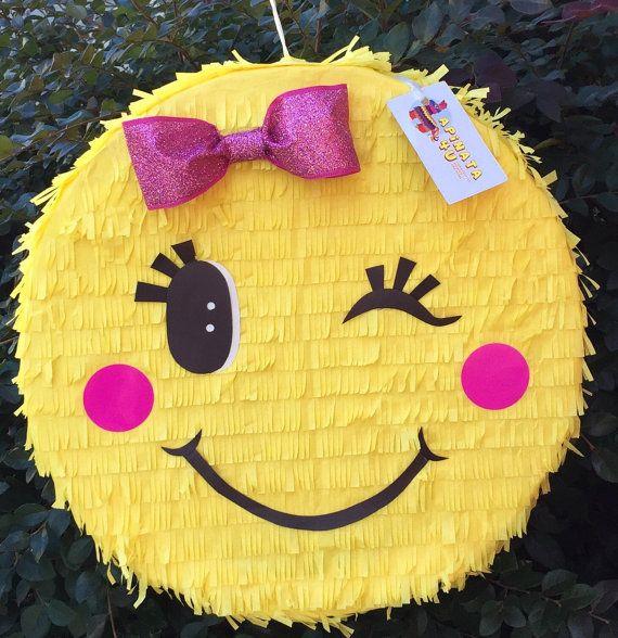 ready to ship pink bow emoticon pinata bella 39 s emoji birthday bash pinterest geschenke. Black Bedroom Furniture Sets. Home Design Ideas