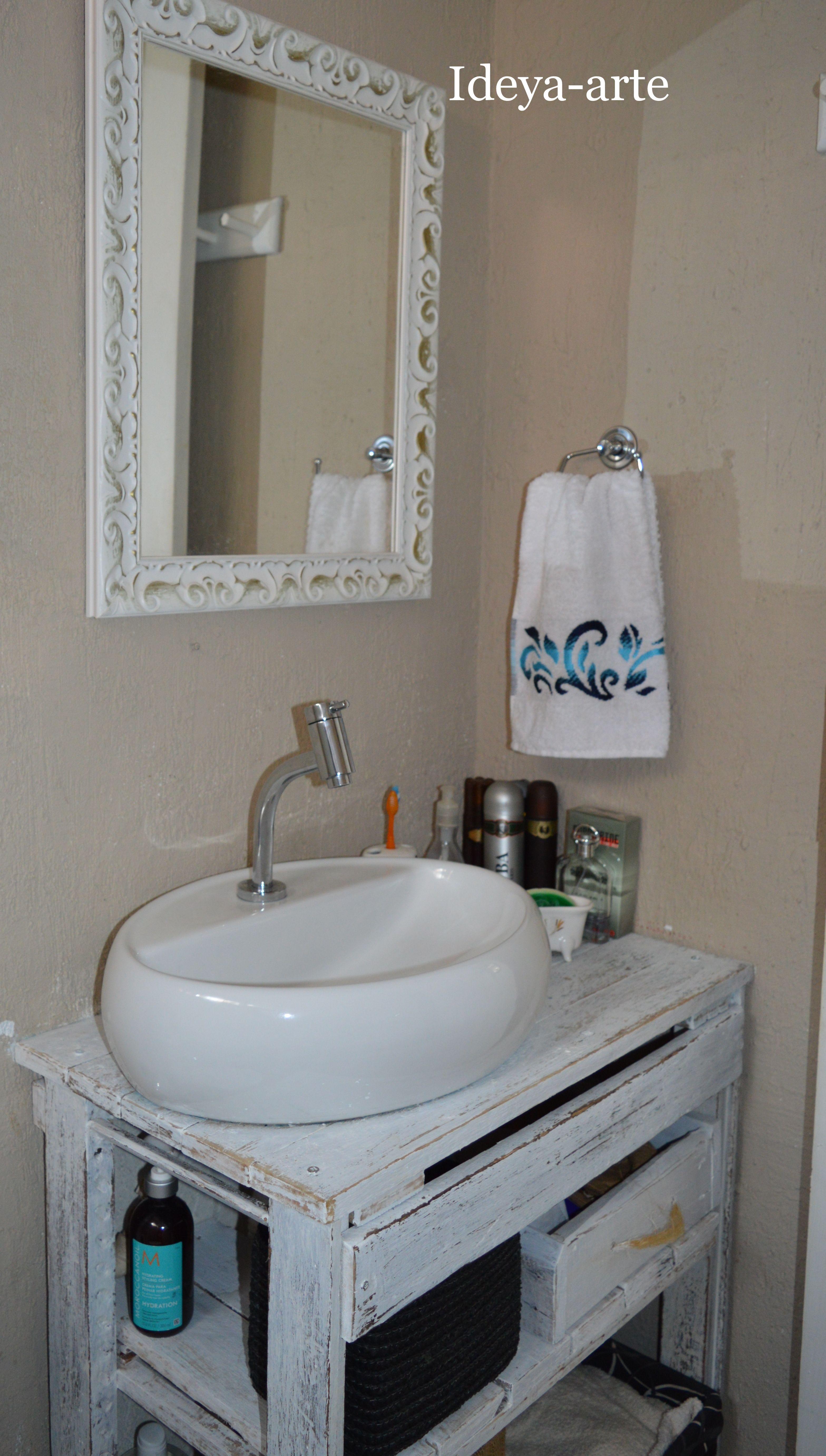 Armario De Madeira Banheiro : Arm?rio de banheiro em madeira demoli??o m?veis