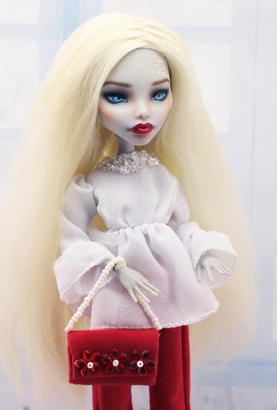 OOAK Monster High repaint doll in red pants #ooakmonsterhigh