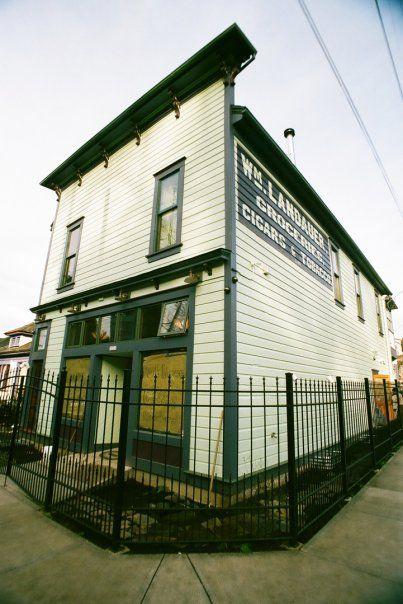 coffee shop in Portlandia
