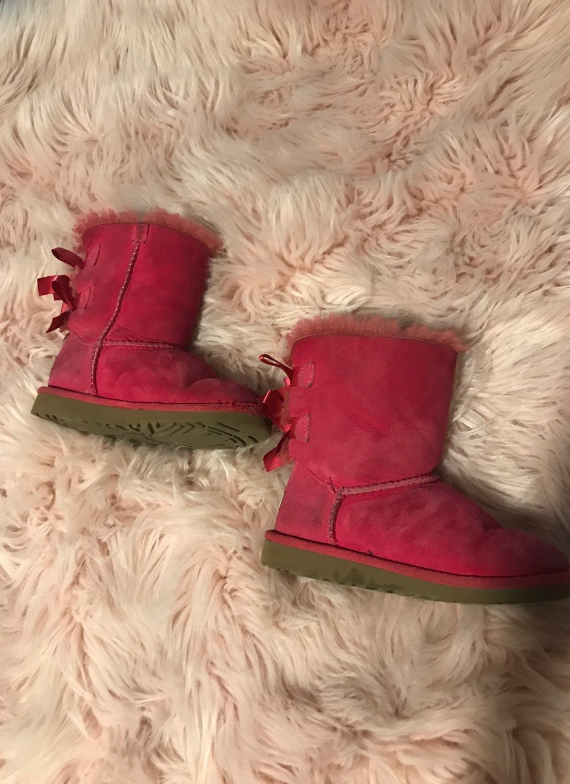 Uggs with bows, Bailey bow uggs, Uggs