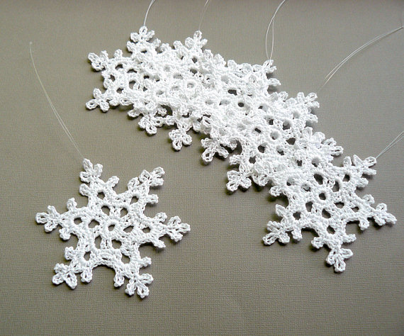 6 crochet christmas ornaments large snowflake b90 in white