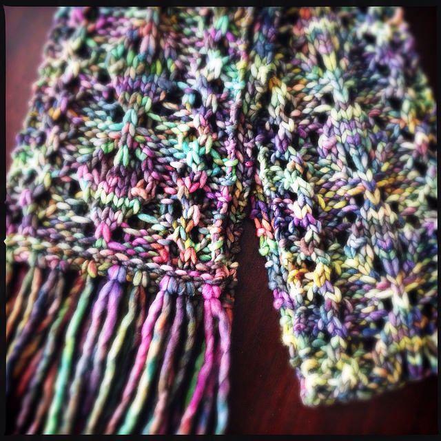 Loom Knit Cordate scarf. | Loom knitting | Pinterest | Telar, Telar ...