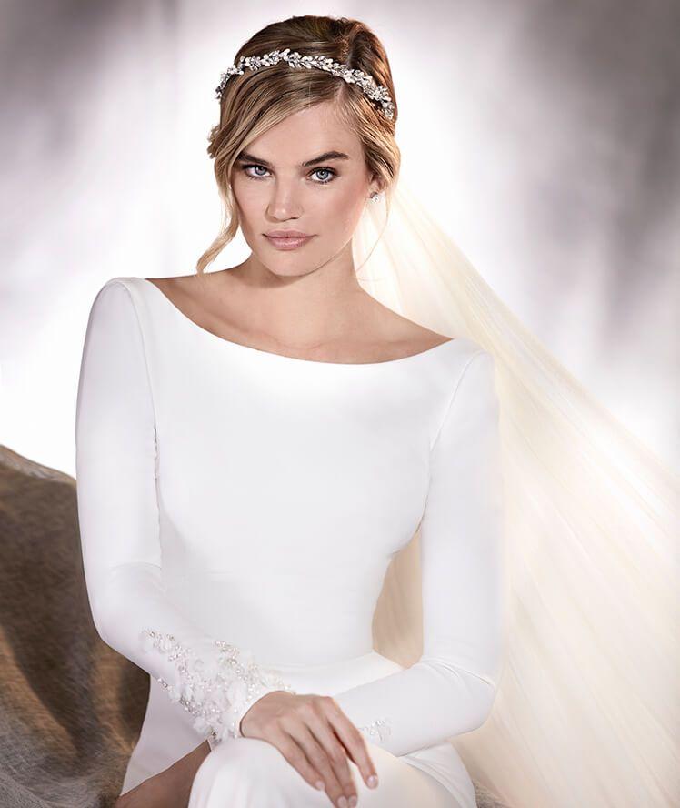 alana - vestido de novia en crepe, manga larga y escote barco