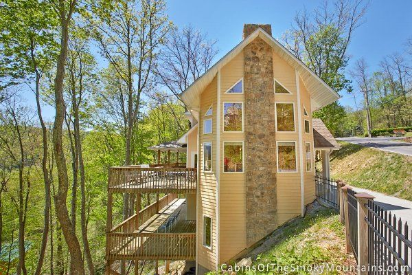 Official site for Touch of Heaven cabin in Pigeon Forge. Book online and get over $400 in Trip Cash attraction tickets FREE.