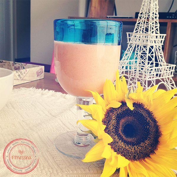 #Breakfast  Jugo de fresas, naranja, melón, piña   www.facebook.com/fitnessina