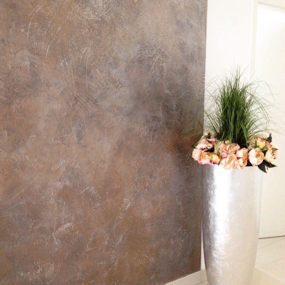 Dunkelbrauner Edelputz Mit Zweierlei Lasuren Kupfer Bronze Mehr Strukturiert Der Edelputz Ist In Vielen Ve Kreative Wandgestaltung Wandgestaltung Edelputz