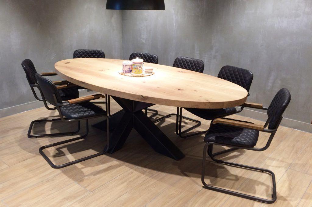 Stalen Onderstel Tafel : Zwaartafelen i robuuste ovale tafel met zwart stalen onderstel i