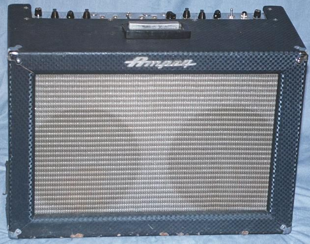 Ampeg Super Echo Twin ET-2-B - Stereo Tube Amp. I want