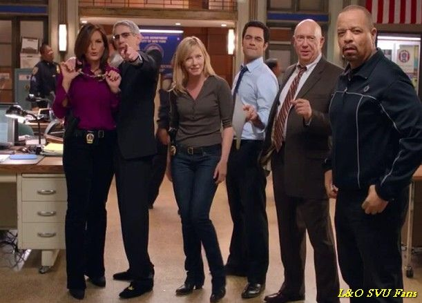 Law And Order Svu Season 15 Uve Temporada 15 Law And Order Special Victims Unit Law And Order Svu Law And Order