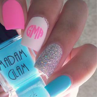Simple Monogram nails