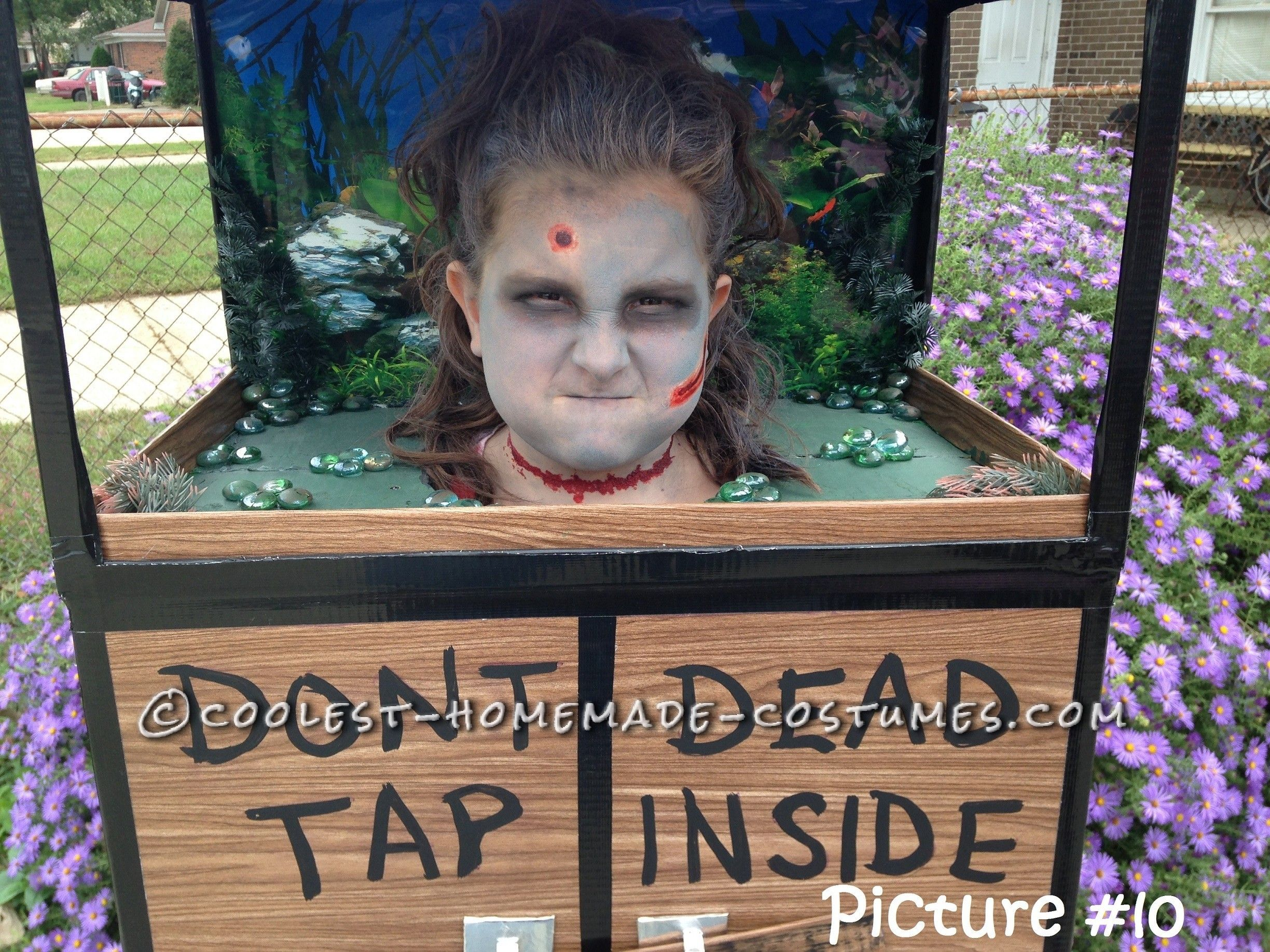 Fish tank decorations zombie - Original Zombie Head In A Fish Tank Costume