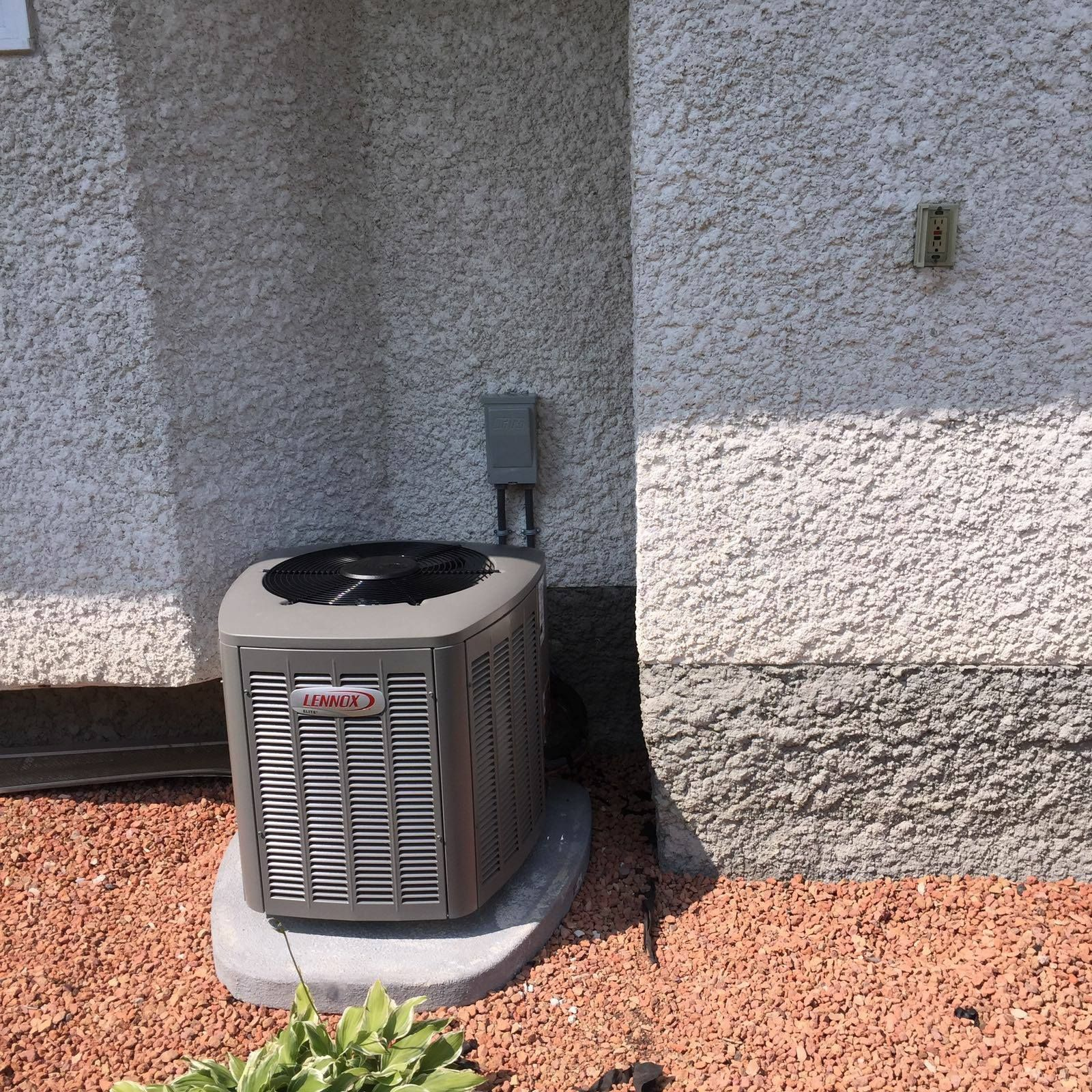 Air Conditioning installation and repair. AirCondition