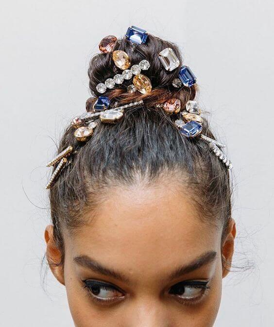 Photo of 6 Beautiful Rhinestone Hair Pin Ideas