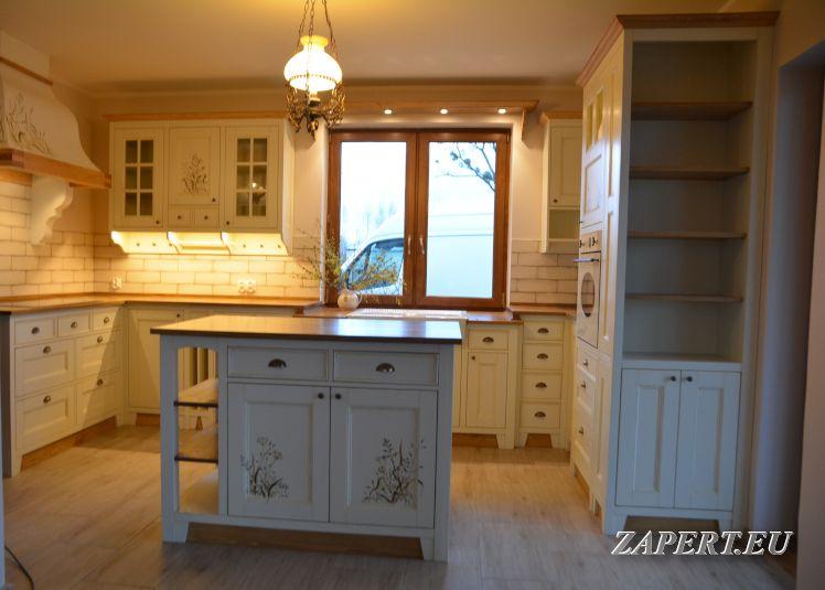 Kuchnia Rustykalna Z Wyspa Recznie Malowana Home Decor Home Decor