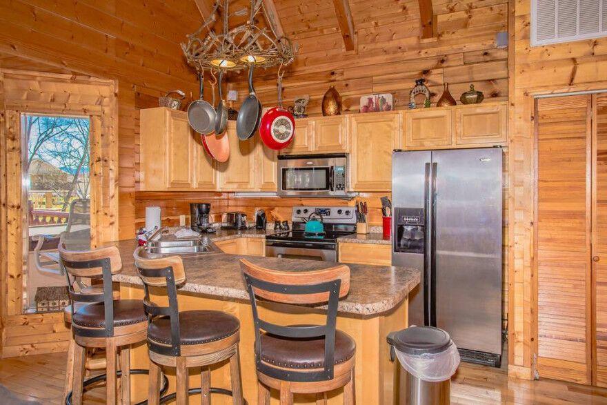 River Livin 2 Bedroom Pigeon Forge Cabin Rental Pigeon Forge Cabin Rentals Cabin Stacked Stone