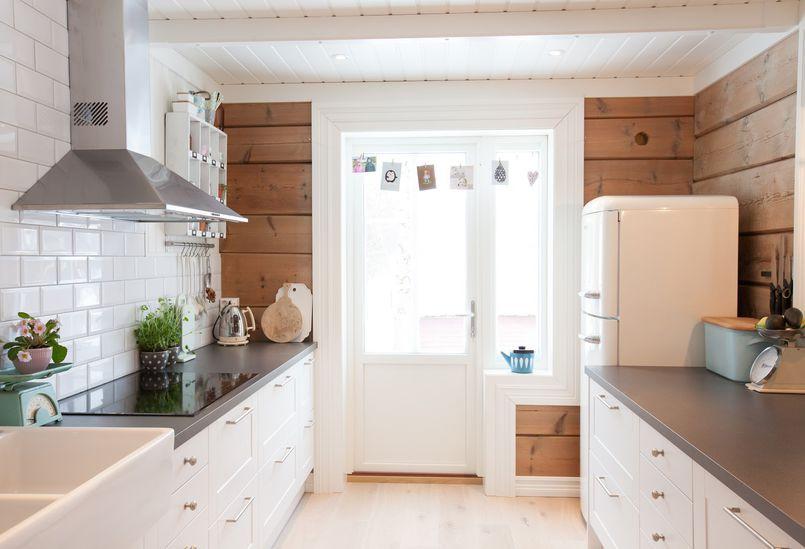 Deski Na Scianach W Kuchni Kuchnia Styl Rustykalny Aranzacja I Wystroj Wnetrz Home Modern Dining Room Dining Room Design