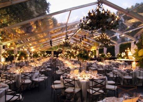 Boda con lluvia: ¿Y si llueve el día de mi boda? - Paperblog | Carpa boda  al aire libre, Carpas para boda, Boda en casa