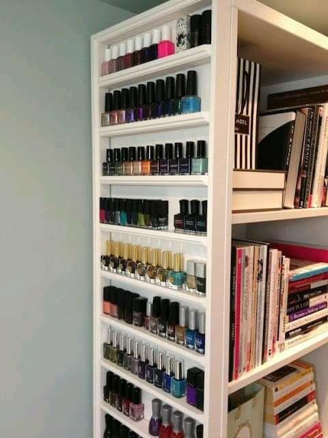 Organizador para libros y pinturas de uñas