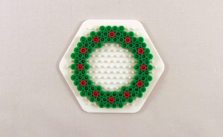 10 Easy Christmas Perler Bead Patterns Krysanthe Christmas Perler Beads Perler Bead Ornaments Pattern Perler Bead Patterns