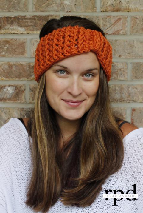 Free Crochet Pattern for a Cabled Ear Warmer   Cinta pelo, Cintas y ...