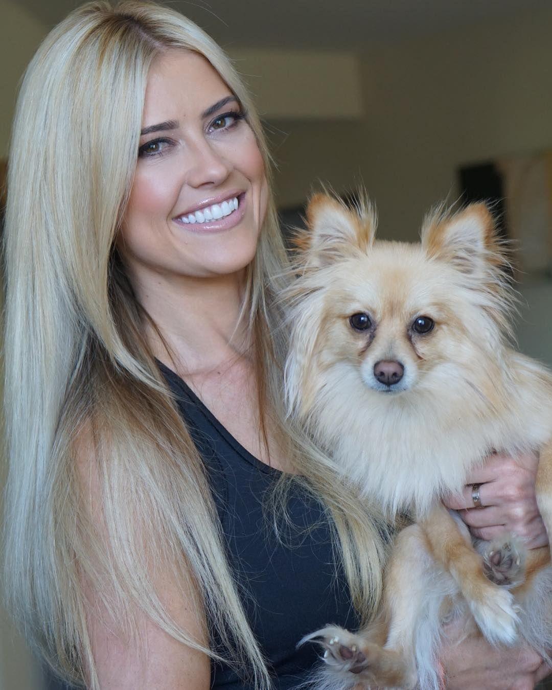 Flip or flopu star christina el moussa officially files for divorce