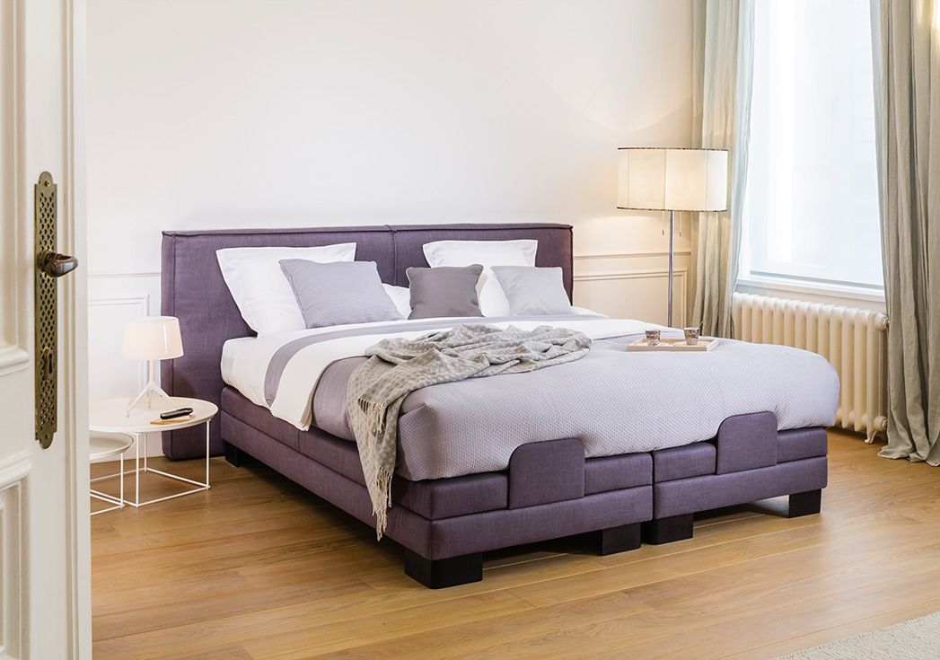 Bed casual box premium electric rf en hoofdbord casual in stof