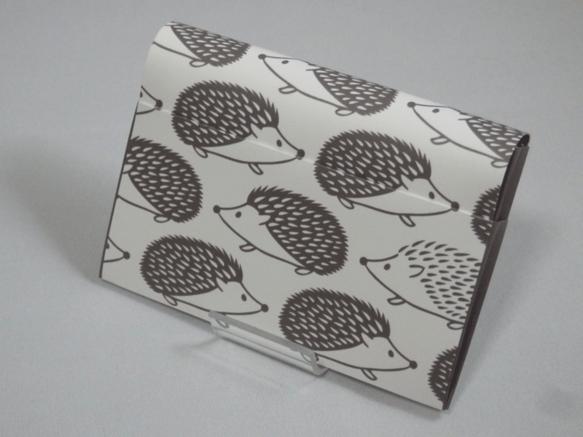 紙カバンHOUSOが作る、丈夫な耐水紙のカードケース。名刺入れ・定期入れ・会員証・ショップカードやスタンプカード等を入れるためのケースです。サブケースとしても...|ハンドメイド、手作り、手仕事品の通販・販売・購入ならCreema。