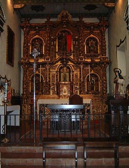 This Is A Beautiful Chapel The Walls On The Sides Are Wonderful Too Fr Serra Chapel Mission San J Mission San Juan Capistrano San Juan Capistrano Serra