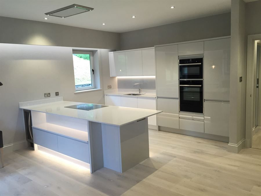 ATLANTIS KITCHENS PROJECT Ambleside Handleless Gloss Grey - Gloss grey kitchen units