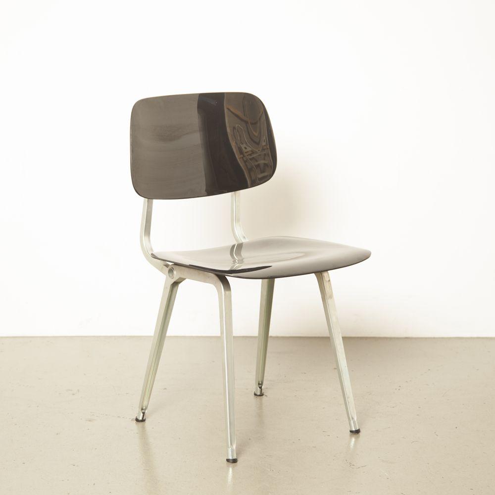 Revolt Chair Zwart Zinc Friso Kramer Ahrend Neef Louis Design Amsterdam In 2020 Chair Modern Materials Design