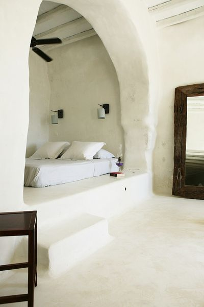 Love the little nook for bed could build in  drape to keep light out of sleeping area while other is getting ready morning also greek architecture round houses alcove house rh pinterest