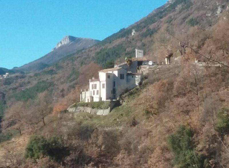 Belle propriété avec terrain et vue panoramique (LE MAS 06910)
